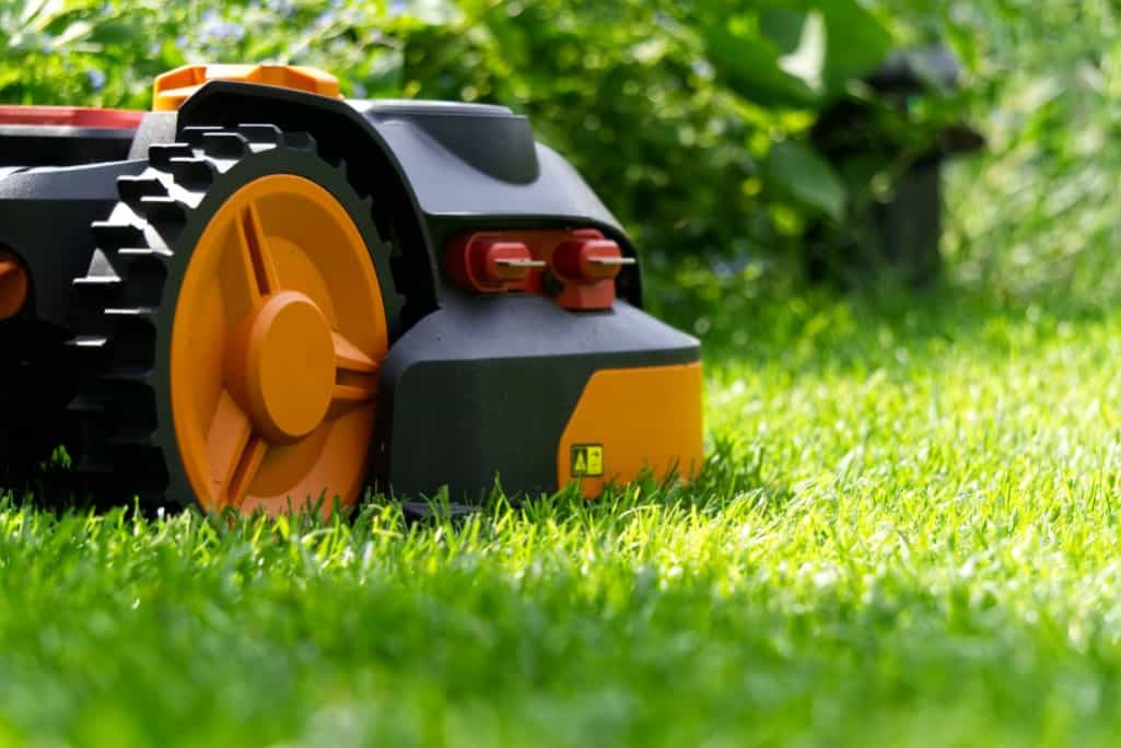 What is a robotic lawn mowers and how do they work