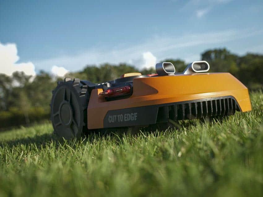 Worx Robotic Lawn Mower cutting lawns